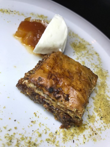 Orange Spice Baklava: palhais, papaya compote