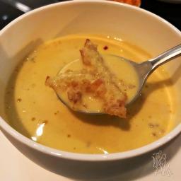 Creamy Cracked Conch Chowder